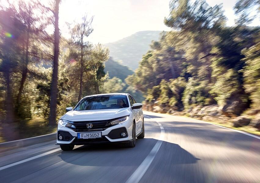 Honda Civic 1.6 4 porte aut. Elegance Navi (3)