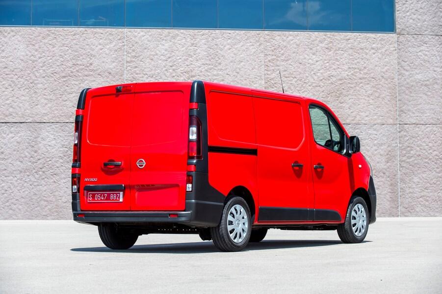 Nissan NV300 Furgone (4)