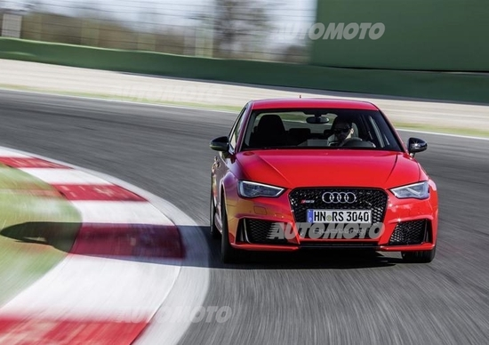 Audi RS 3 Sportback, giù il prezzo con la nuova versione