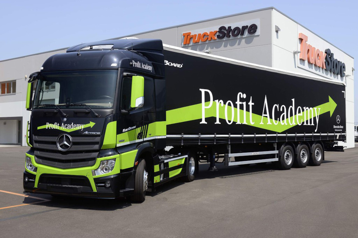 mercedes actros camion a guida autonoma l 39 abbiamo provato news. Black Bedroom Furniture Sets. Home Design Ideas