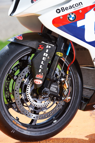 Forcella K-Tech e pinze freno Brembo all'avantreno