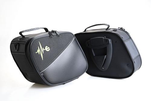 Kit valige laterali impermeabili realizzate a mano. Capienza 6 litri ciascuna