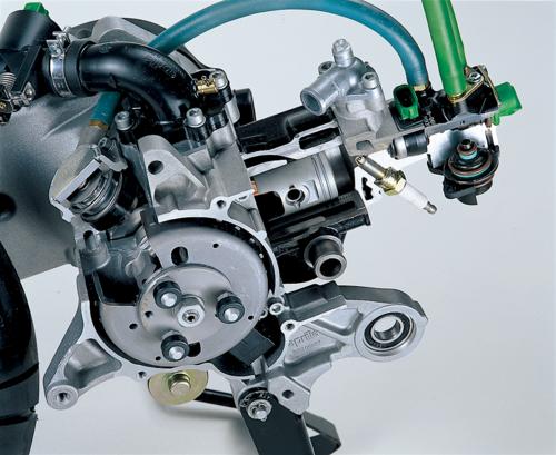 Alcuni anni fa l'Aprilia ha sviluppato e impiegato in alcuni motori di serie un sistema di iniezione diretta pneumoassistita denominato DiTech