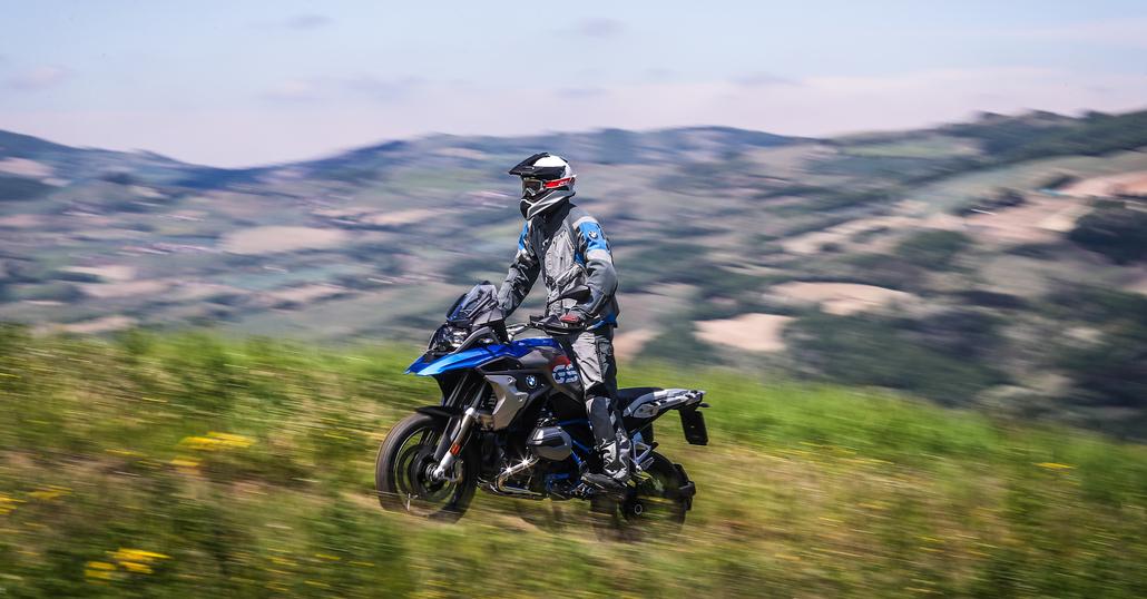 Il mercato a luglio cresce del 7,4%. Meglio le moto. Le Top 100