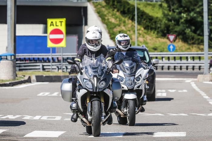 In autostrada la RT dà il suo meglio in termini di protezione e comodità