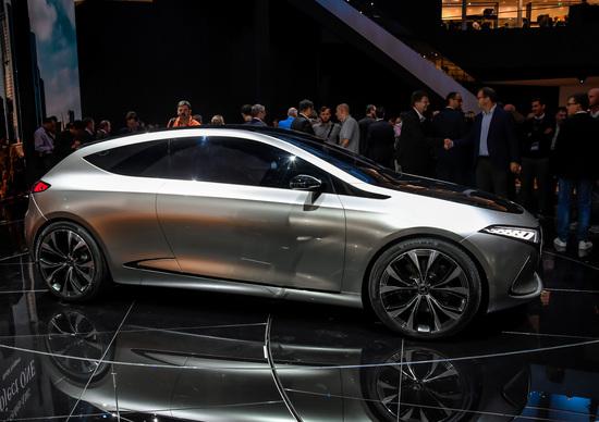 La concept Mercedes EQ A, presentata al Salone di Francoforte 2017