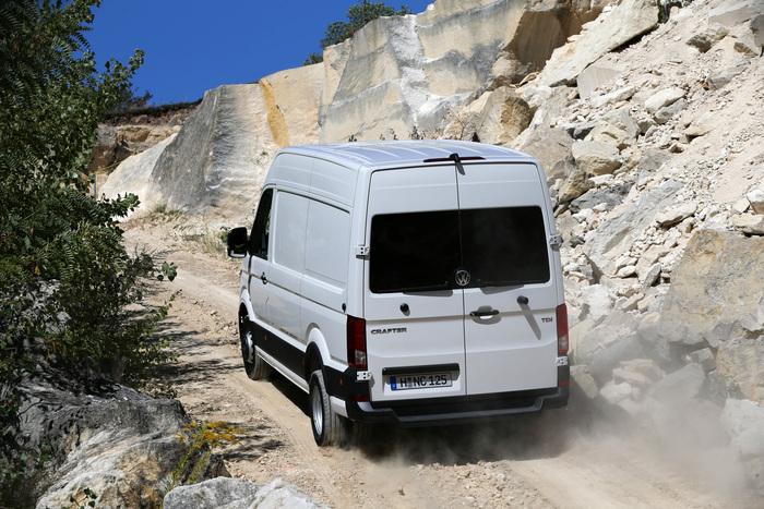 I Crafter a trazione posteriore vantano una capacità di carico superiore, con massa a pieno carico fino a 5,5 ton