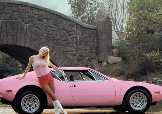 "Hugh Hefner e le auto delle ""Playmate of the Year"""