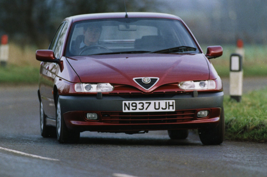 Alfa Romeo 146 (1995-01) (3)