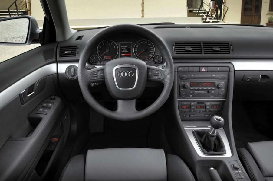 Audi A4 (2004-07) (4)