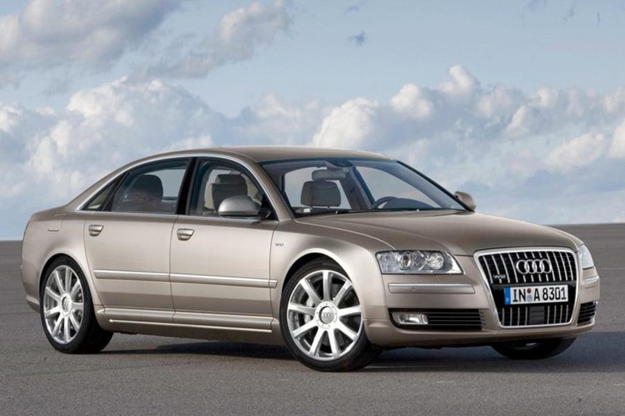 Audi A8 3.2 V6 FSI quattro tiptronic (2)