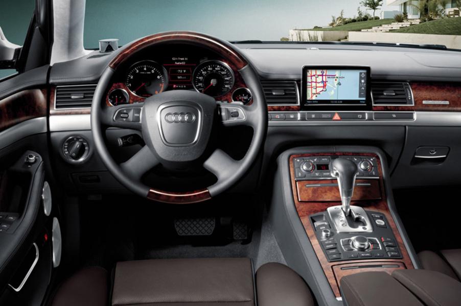 Audi A8 L 4.2 V8 FSI quattro tiptronic (5)