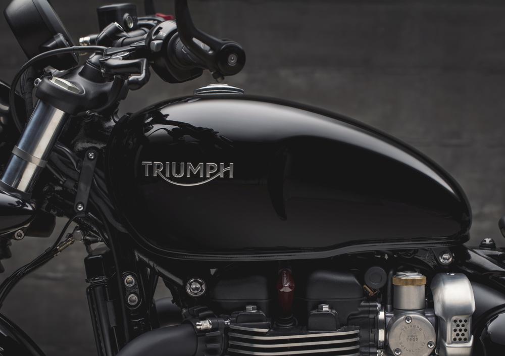 Triumph Bonneville Bobber Black 1200 (2018 - 20) (4)