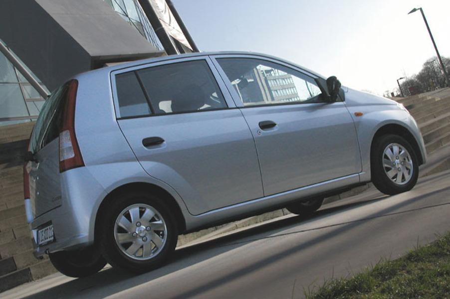 Daihatsu Cuore 1.0 12V 3 porte Thrifty (5)