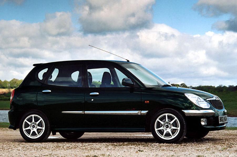 Daihatsu Sirion 1.3i 16V cat 4WD CX Seqtronic (4)