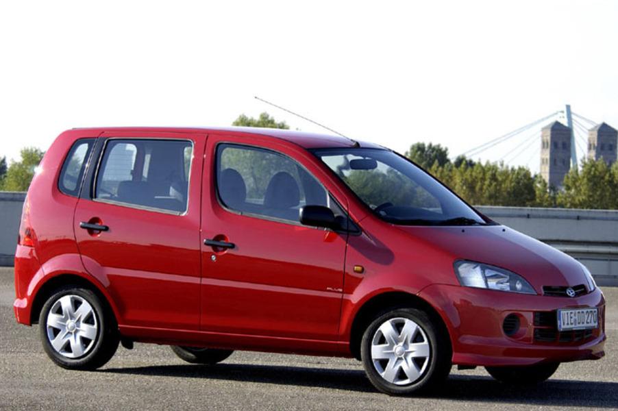 Daihatsu YRV (2000-05) (2)