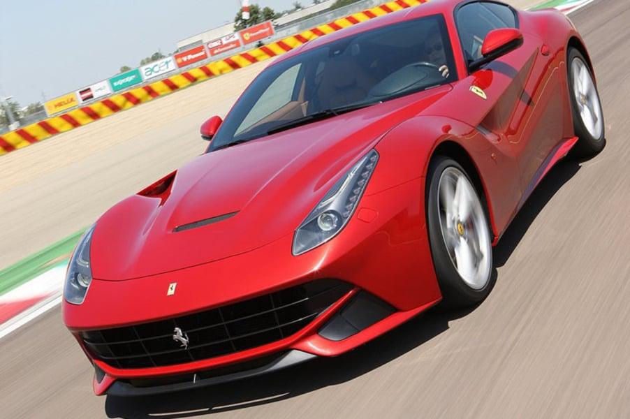Ferrari F12 Coupé (4)