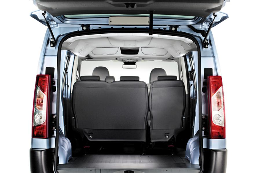fiat scudo furgone 2 0 mjt pc combi 8 posti m1 11 2006 09 2010 prezzo e scheda tecnica. Black Bedroom Furniture Sets. Home Design Ideas