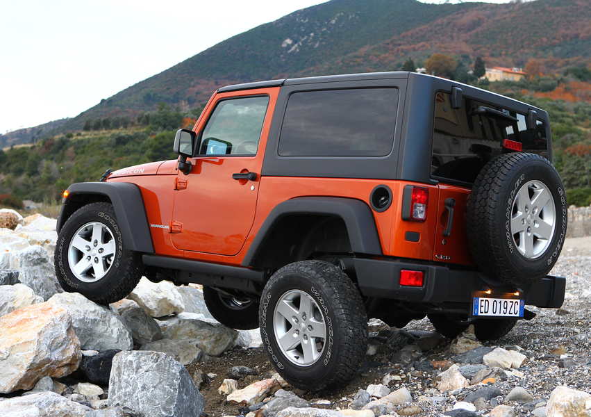 Jeep Wrangler 2.8 CRD Sport Auto (4)