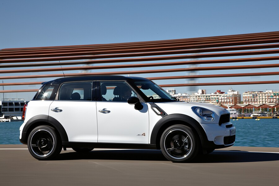 mini mini countryman 2 0 cooper sd countryman all4 07. Black Bedroom Furniture Sets. Home Design Ideas