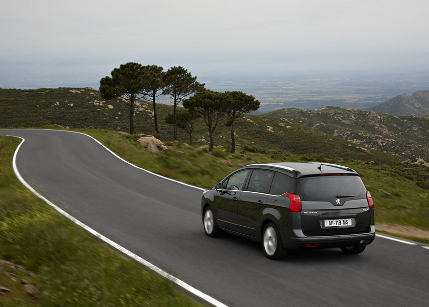 Peugeot 5008 BlueHDi 150 S&S Active Mix (5)
