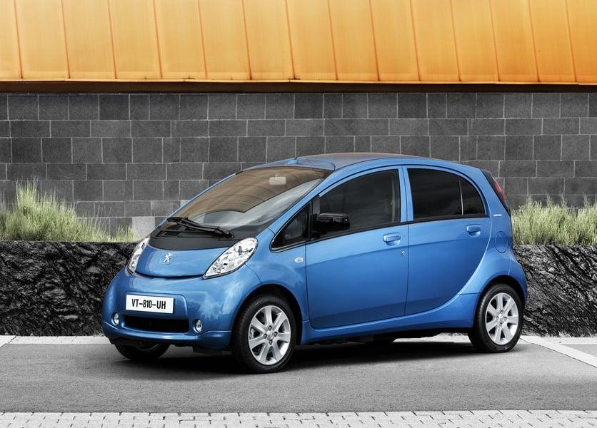Peugeot iOn (2)