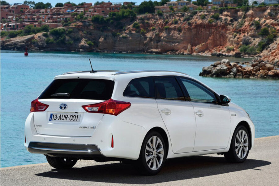 Toyota Auris Station Wagon (2013->>) (5)