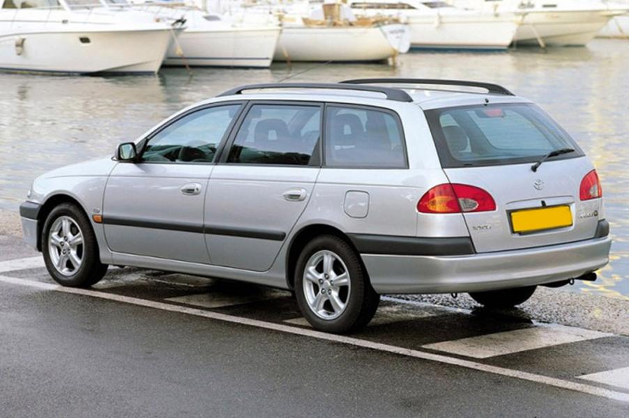 Toyota Avensis Station Wagon (1997-03) (2)