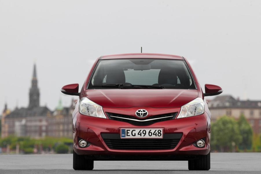Toyota Yaris 1.0 72 CV 5 porte Active (3)