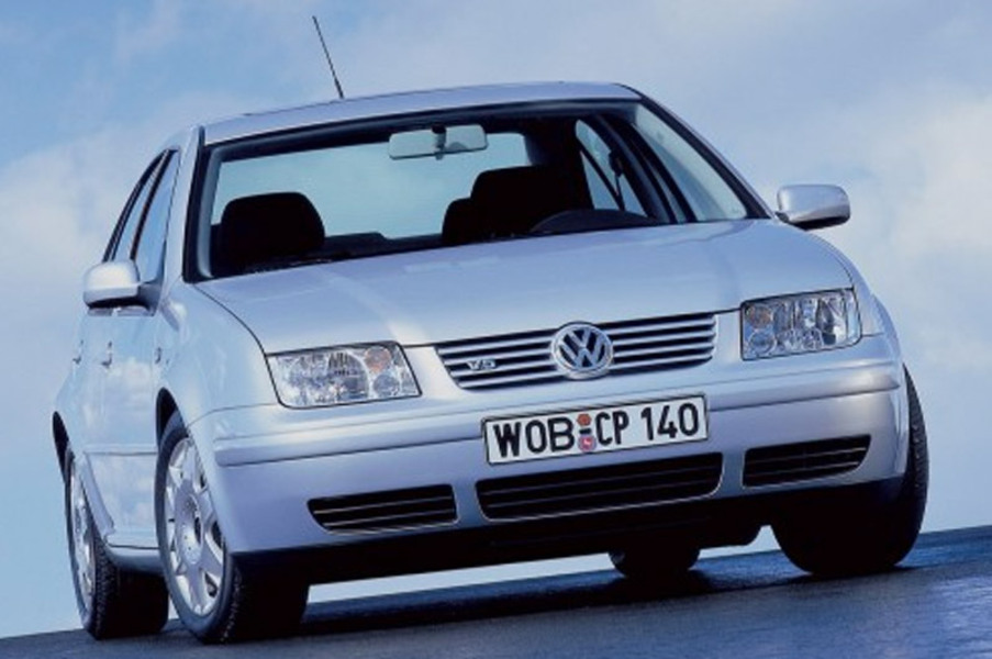 Volkswagen Bora (1999-06) (2)
