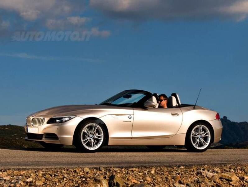 bmw z4 cabrio z4 sdrive23i 12 2008 09 2011 prezzo e scheda tecnica. Black Bedroom Furniture Sets. Home Design Ideas
