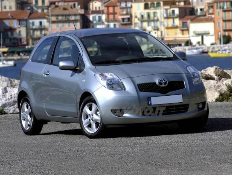 Toyota Yaris 1.0 3 porte