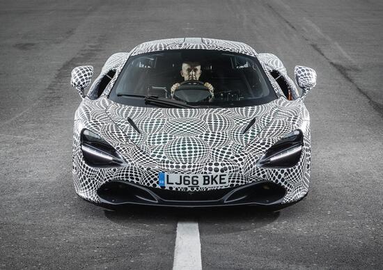 "McLaren, la ""hypercar"" BP23 anche in versione da pista"