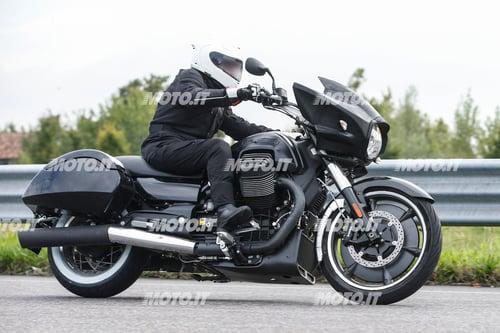 Foto Spia: Moto Guzzi California Bagger (6)
