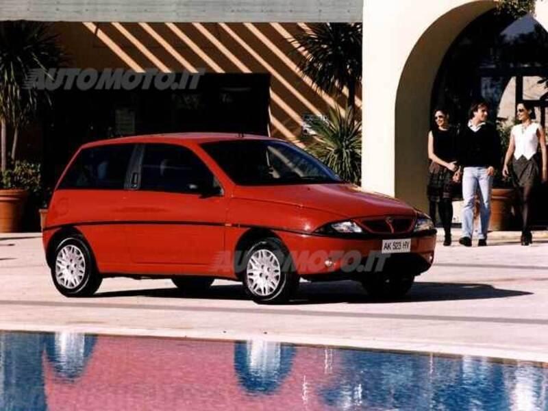 Lancia y cat elefantino blu 01 2000 10 2000 prezzo e scheda tecnica - Lancia y diva scheda tecnica ...