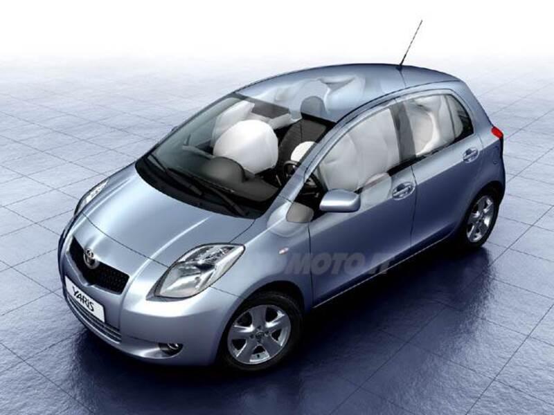 Toyota Yaris 1.0 5 porte Now