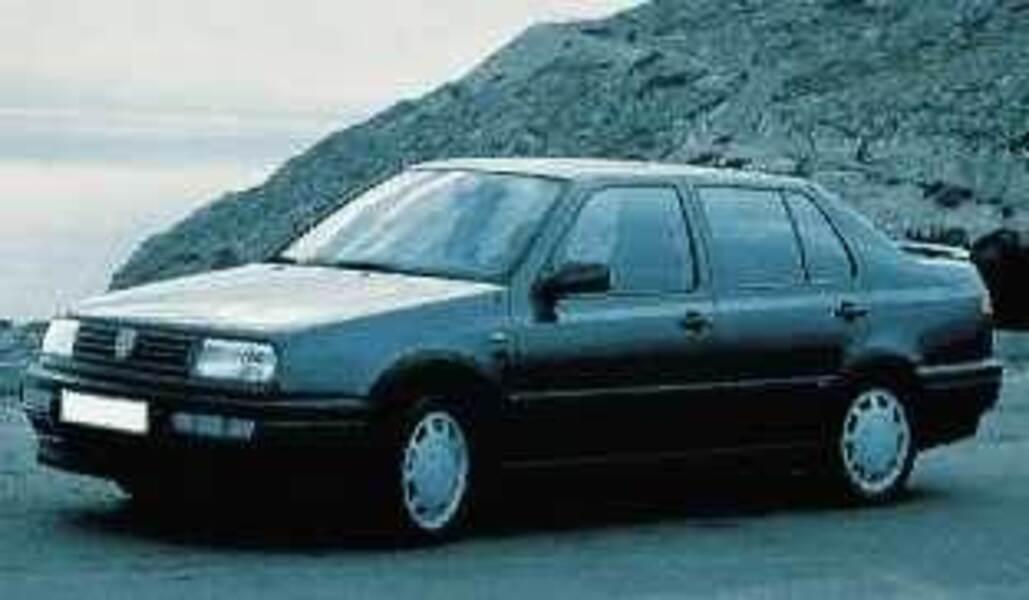 Volkswagen Vento cat (75 CV) GL