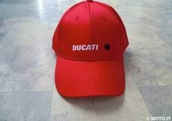Cappello con visiera Ducati Cappello con visiera rosso