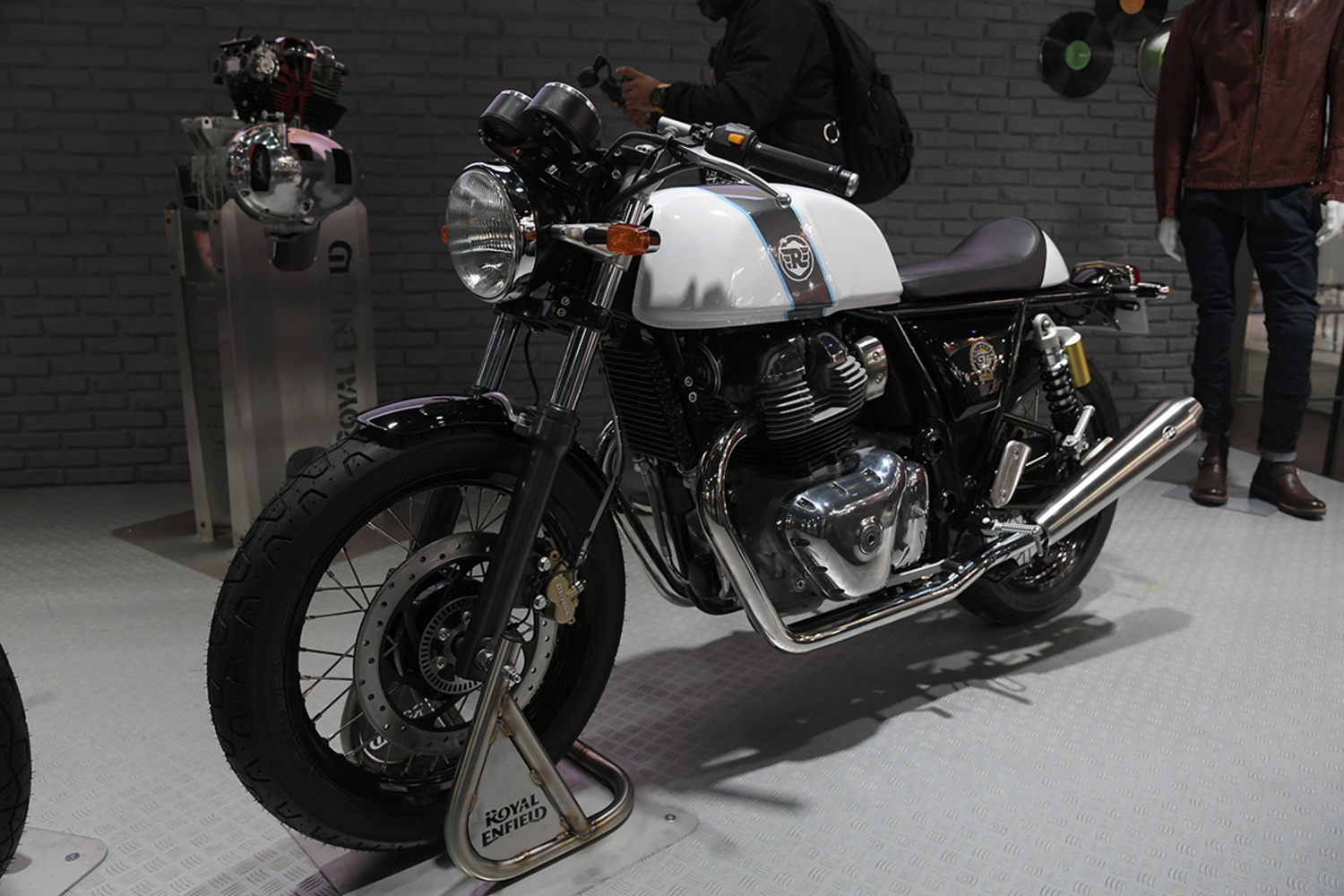 EICMA 2017. Royal Enfield Interceptor INT 650 - Continental GT 650