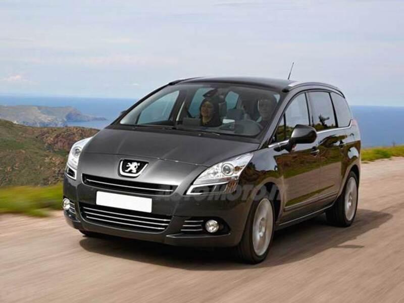 Peugeot 5008 1.6 e-HDi 112CV Stop&Start cambio robotizzato Allure