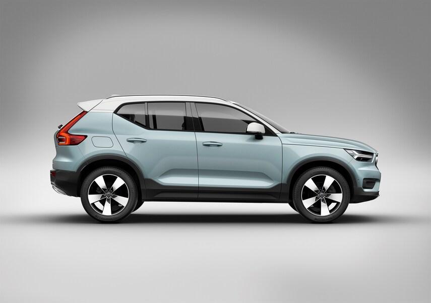 Volvo XC40 (2017->>) (2)