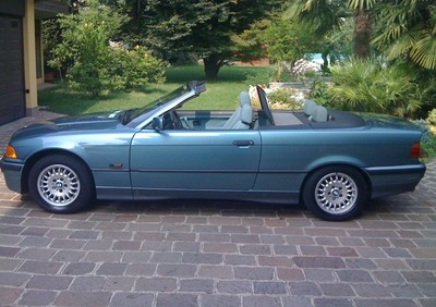 318 is Cabrio d'epoca del 1996 a Treviolo