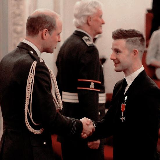 Rea riceve dai reali inglesi il Most Excellent Order