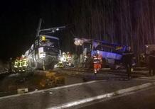 Francia, treno travolge scuolabus: quattro morti, diversi feriti gravi