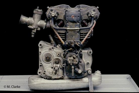 Il formidabile 250 Morini da Gran Premio dei primi anni Sessanta rappresenta il massimo livello evolutivo raggiunto dalla classica scuola tecnica italiana, per quanto riguarda le monocilindriche da competizione
