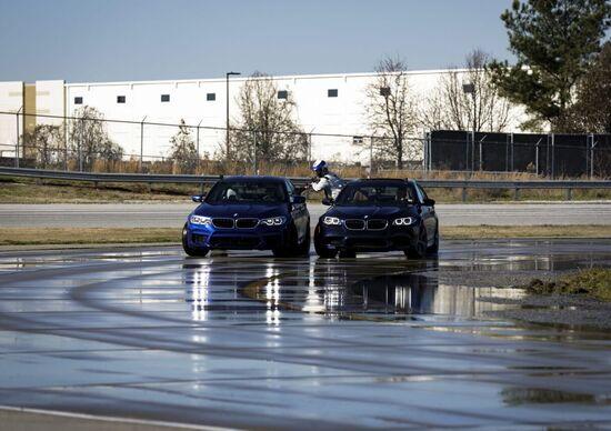 BMW M5, il drifting è record da Guinness [Video]