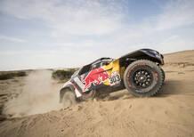 DKR '18 Peugeot. L'ora di Carlos Sainz, prima del riposo