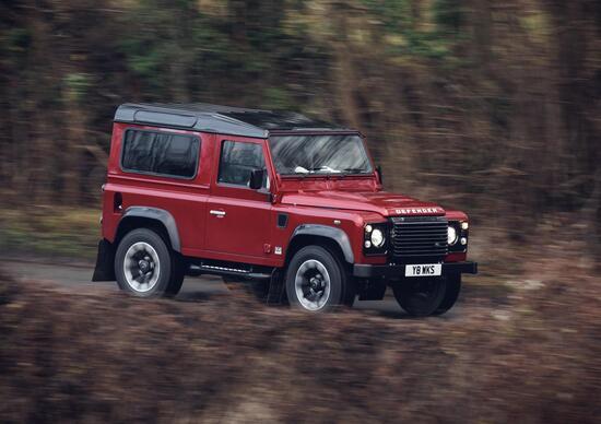Land Rover Defender Works V8, canto del cigno con 405 CV