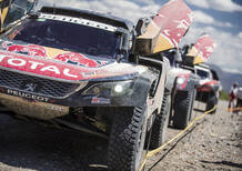 Dakar 2018 Peugeot. Peterhansel in ritardo per un incidente. Sainz inviolabile.