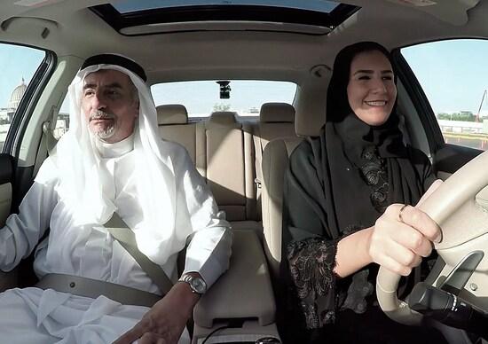 Arabia Saudita, Nissan sostiene le nuove automobiliste con #SheDrives [Video]